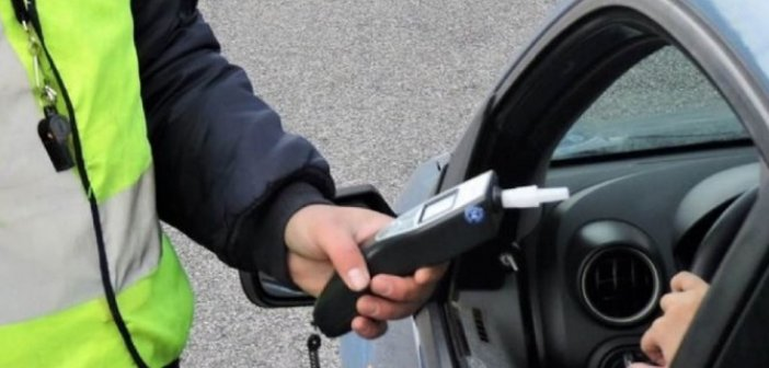Αγρίνιο: 60χρονος έπεσε μεθυσμένος με το όχημά του πάνω σε σταθμευμένο περιπολικό