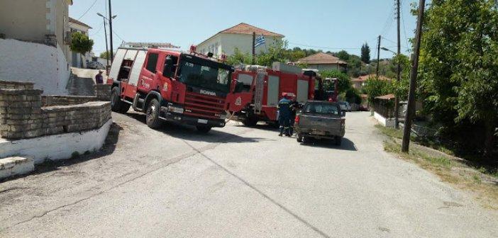 Φωτιά στο κέντρο της Κωνωπίνας – Ευτυχώς δεν έκαψε σπίτια – Μεγάλη κινητοποίηση της Π.Υ. (ΦΩΤΟ)