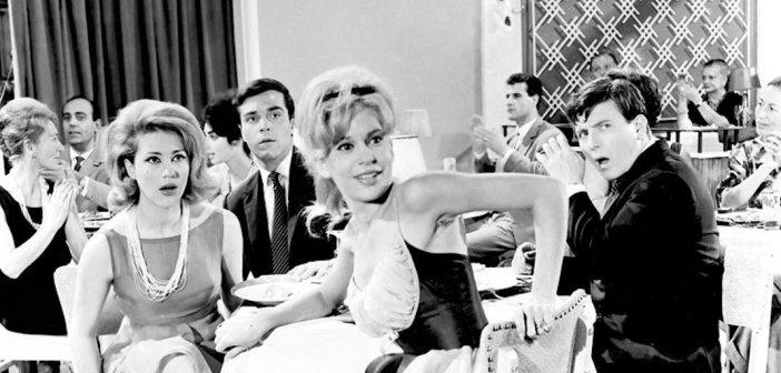 Σπάνιο κλικ από τα 60s: Χλόη Λιάσκου – Ζωή Λάσκαρη και Μάρθα Καραγιάννη σε πρεμιέρα της Finos Film