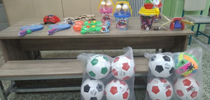 H Ακτίνα Εθελοντισμού του Δήμου Αγρινίου μοίρασε δώρα στο 1ο Ειδικό Σχολείο