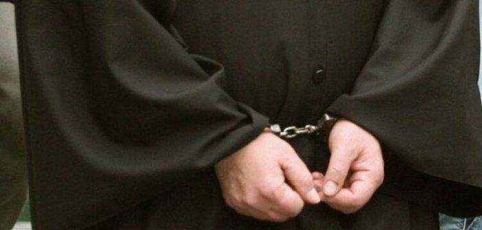 """Καταθέσεις σοκ για την δράση του """"παπά βιαστή"""" στο Αγρίνιο"""
