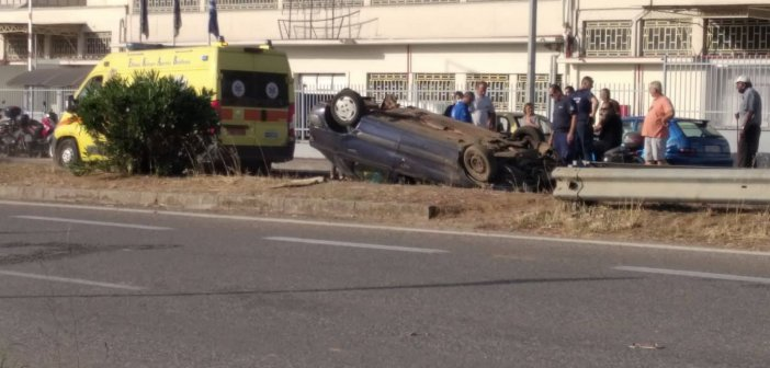 Αγρίνιο: Σοβαρό τροχαίο – Ανατροπή αυτοκινήτου στην Εθνική Οδό (φωτογραφίες)