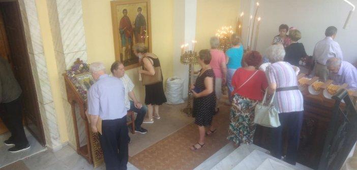 Αγρίνιο: Γιορτάζει το εκκλησάκι των Αγίων Αναργύρων – Πιστοί κατέκλυσαν το ναό από νωρίς το πρωί (ΦΩΤΟ)