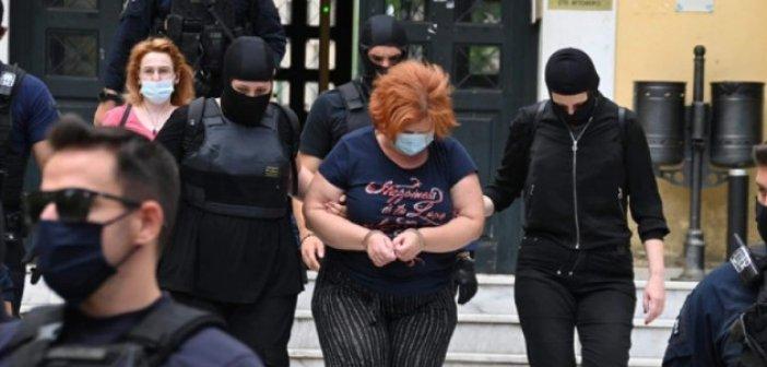 Φυλάκιση 30 μηνών με αναστολή στην 52χρονη για την υπόθαλψη του Παππα