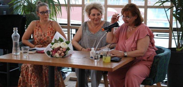 Πραγματοποιήθηκε η παρουσίαση του βιβλίου «Πέρα από την αιωνιότητα» της Ιουλίας Ιωάννου στο Αγρίνιο