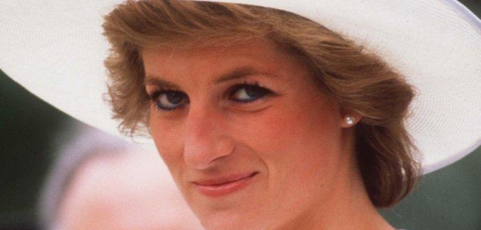 Πριγκίπισσα Νταϊάνα: 24 χρόνια από τον τραγικό θάνατό της – Οι εικόνες από το τροχαίο και τα μηνύματα θλίψης