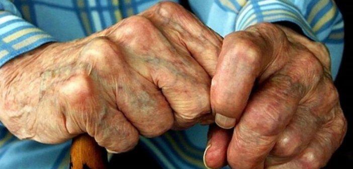 Άρτα: Εξιχνιάστηκε κλοπή με τη μέθοδο του εναγκαλισμού σε βάρος ηλικιωμένου ζευγαριού