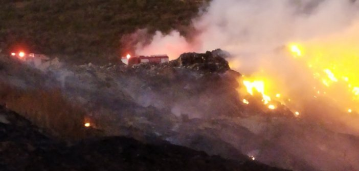 Στην περιοχή του ΧΥΤΑ Μεσολογγίου κλιμάκιο του ΚΚΕ για την πυρκαγιά (ΦΩΤΟ)