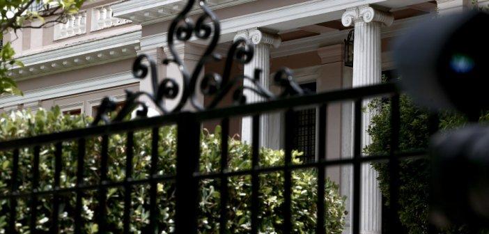 Μίνι ανασχηματισμός με καραμπόλες: Αναβαθμίζεται ο Χρήστος Τριαντόπουλος, νέος κυβερνητικός εκπρόσωπος ο Γιάννης Οικονόμου