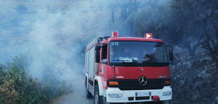 Φωτιά στις εκβολές του Μόρνου – Αποπνικτική ατμόσφαιρα στη Ναύπακτο