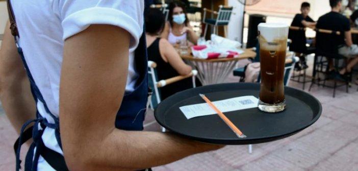 «Lockdown» για τους ανεμβολίαστους: Νέα μέτρα, νέοι φόβοι – Μετ' εμποδίων την πρώτη μέρα τα τεστ στους ανεμβολίαστους στο Αγρίνιο