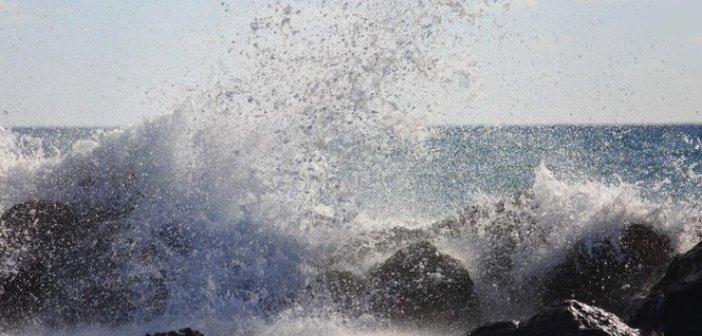 Καιρός: Ισχυρή κακοκαιρία προ των πυλών – Καταιγίδες και υψηλός κίνδυνος για πλημμύρες
