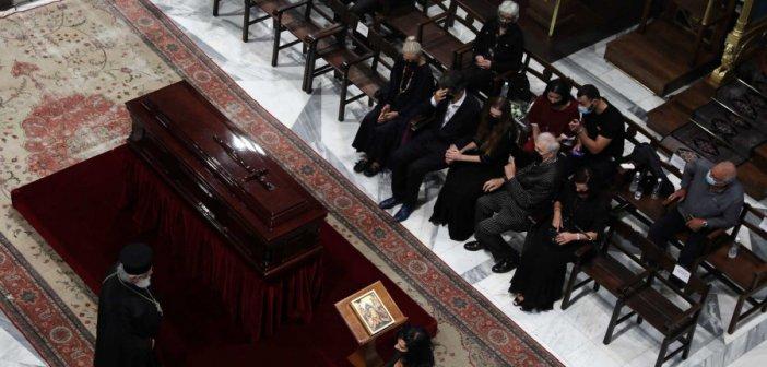 Μίκης Θεοδωράκης: Η Ελλάδα τον αποχαιρετά στην Μητρόπολη Αθηνών (LIVE)