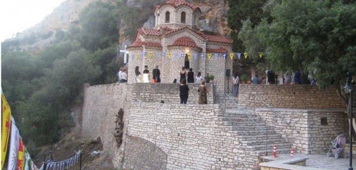 Ιερά Μονή Αγίας Ελεούσας: Πανηγυρίζει το Παρεκκλήσι του Τιμίου Σταυρού στην Κλεισούρα Μεσολογγίου