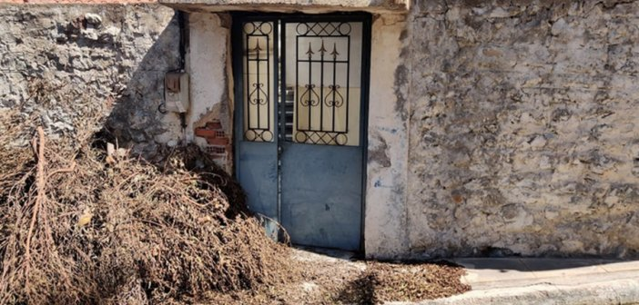 Μεσσηνία: Θρίλερ με πτώμα γυναίκας που βρέθηκε θαμμένη σε αυλή σπιτιού – Ανατριχιαστικά στοιχεία και εικόνες