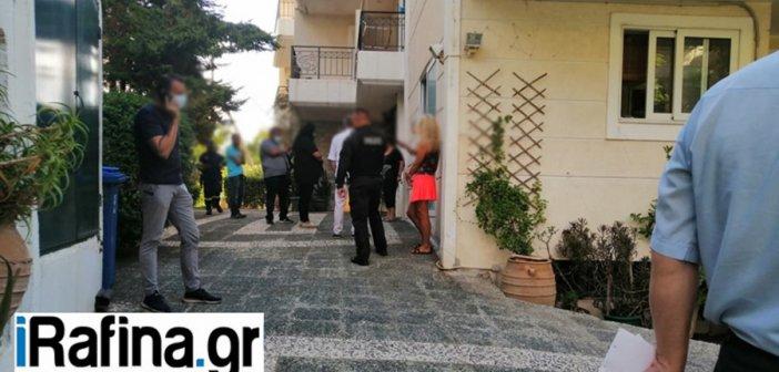 Φρίκη στη Ραφήνα: Βρήκαν 44χρονο ζωγράφο κρεμασμένο και φιμωμένο σε μπαλκόνι πολυκατοικίας (βίντεο)