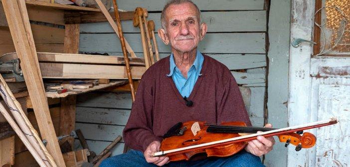 Άγραφα – Μπάρμπα Χρήστος: Ο γητευτής της ξυλογλυπτικής τέχνης (VIDEO)