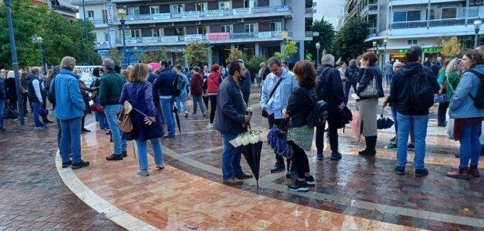 Αγρίνιο: Υπό βροχή η συγκέντρωση των εκπαιδευτικών – Ικανοποιημένοι οι συνδικαλιστές από τη συμμετοχή στην απεργία (εικόνες – βίντεο)